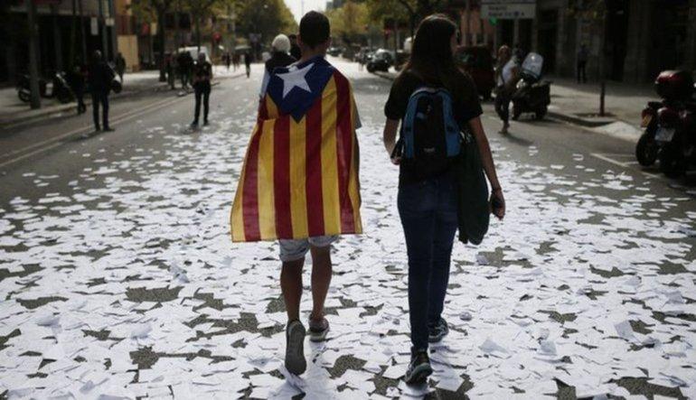 Katalonya bağımsızlığa gidiyor