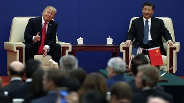 Trump'tan, Çin'de çeyrek trilyonluk imzalar