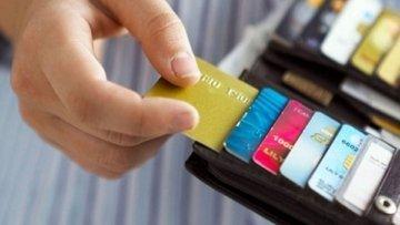 Kredi Kartı: Olmayan Parayı Harcamak