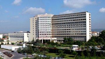 Türkiye'nin ilk yüz naklini yapan hastane borç batağında