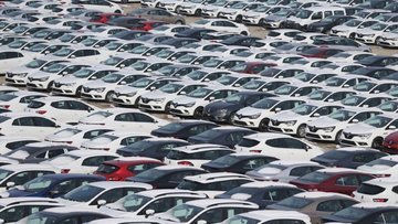 Satılan 100 arabadan 70'i ithal