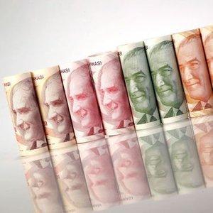 KAMU BANKALARI KREDİLERDE NORMALLEŞMEYE DİRENİYOR