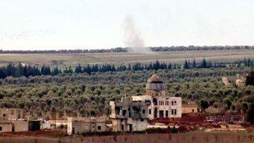 AA: Afrin'e ilerlemeye çalışan rejim yanlısı teröristler top atışı ile geri çekildi