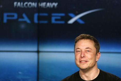 Musk, Mars'a yolculuk testinin tarihini açıkladı