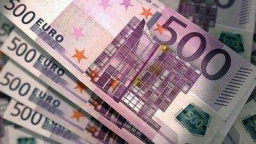 Dolar yükseliyor, Euro rekor kırdı