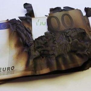 EURO NEDEN PEŞİ SIRA REKOR KIRIYOR?