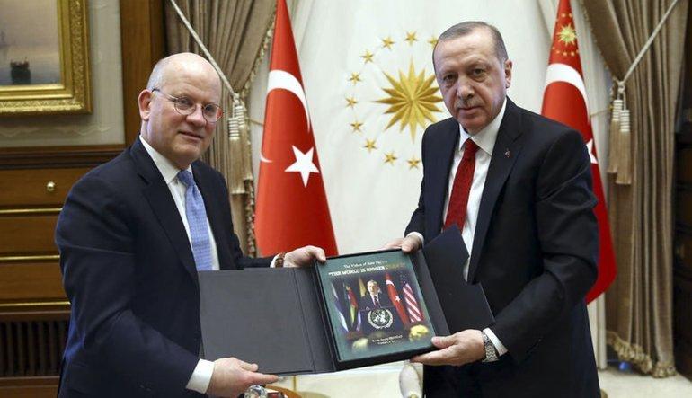 """""""Moody's'i bilmiyorum ama Türkiye'ye yatırıma devam edeceğiz"""""""