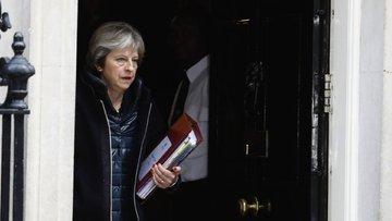 İngiltere-Rusya gerilimi sınır dışı haberiyle zirvede