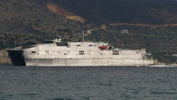 6. filo gemisi Yunan adasında