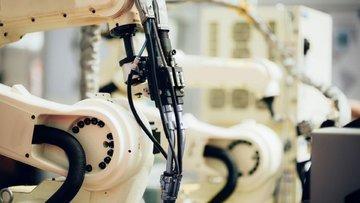 Sabancı'nın bilişim şirketi robot kiralayacak