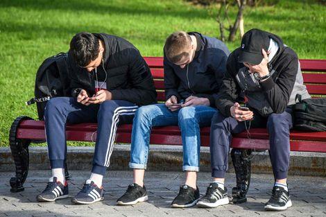 """""""Çocukluk hırsızı"""" sosyal medya"""