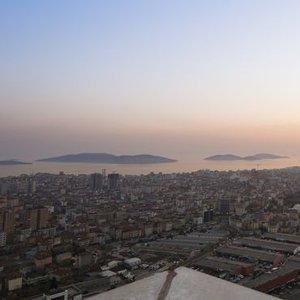 ÜNLÜ EĞİTİMCİ İŞ GYO ARSASINI ALDI