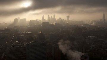 İngiltere'de 9 yılın en kötü büyüme tahmini